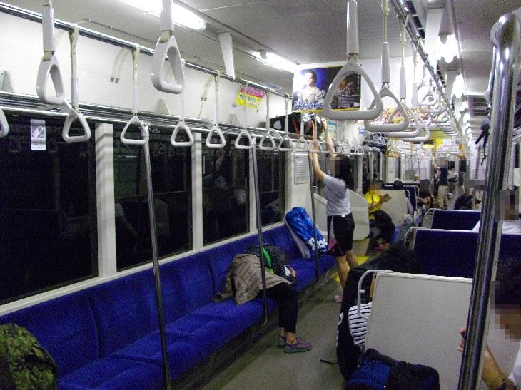 青い森鉄道701系の車内配置